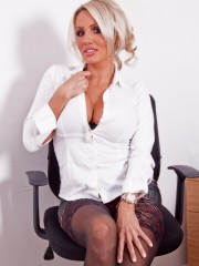 office_chick_3